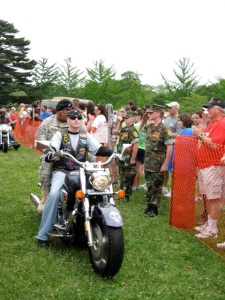 Vietnam vet escorting Iraq/Afghanistan vet on mortocycle